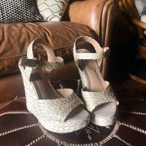 Shoedazzle raffia wedges